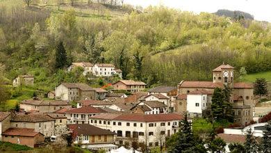 """Photo of Castel Boglione: percorso """"punti di vista"""" e panchina gigante"""