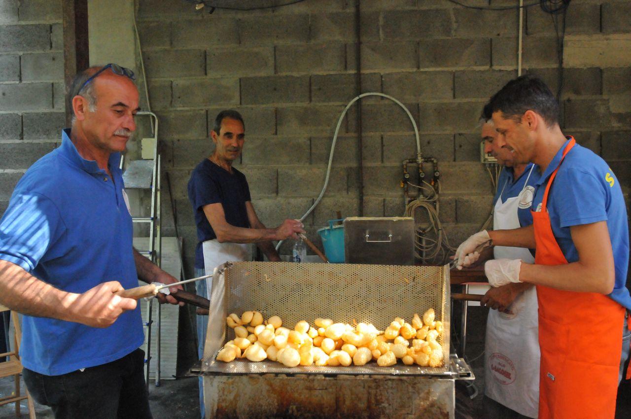 Photo of Mombaldone: domenica 27 maggio la Sagra delle frittelle