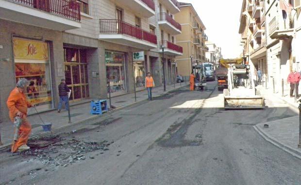 lavori ripristino del manto stradale