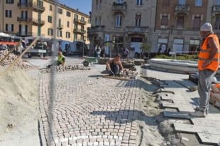 Acqui Terme - porfido in piazza Italia