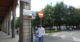 Nella foto una delle videocamere con il primo cittadino di Nizza