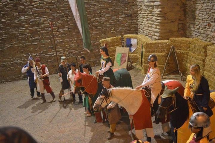Alcuni figuranti della festa medioevale
