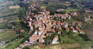 Veduta di paesaggi nel Comune di Agliano Terme (AT). L'immagine fa parte dell'Atlante dei Paesaggi italiani, realizzato per una più ampia conoscenza ed efficace salvaguardia del patrimonio paesaggistico del territorio italiano.