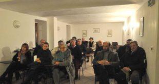 Spettatori al consiglio dell'Unione di Roccaverano