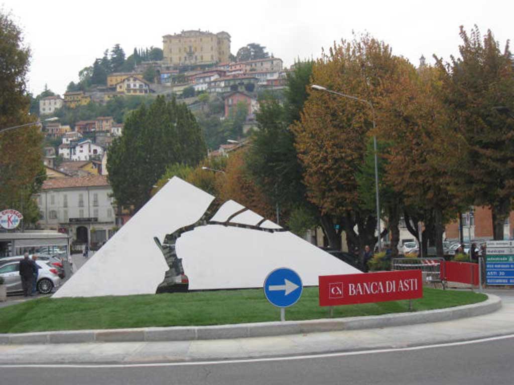 """Photo of Inaugurato """"il germoglio"""" sulla nuova rotatoria"""