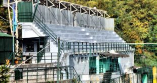 tribuna stadio a campo ligure senza tetto