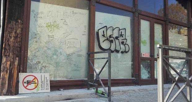 atti vandalici al Movicentro di Acqui
