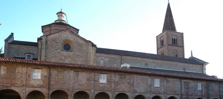 Duomo di Acqui Terme, vista laterale