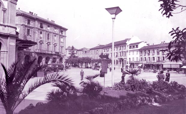 Acqui Terme, piazza Italia, foto d'epoca