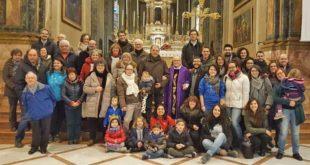 Azione Cattolica, foto di gruppo dei soci, insieme a don Franco