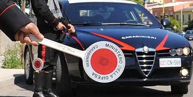 carabinieri con paletta