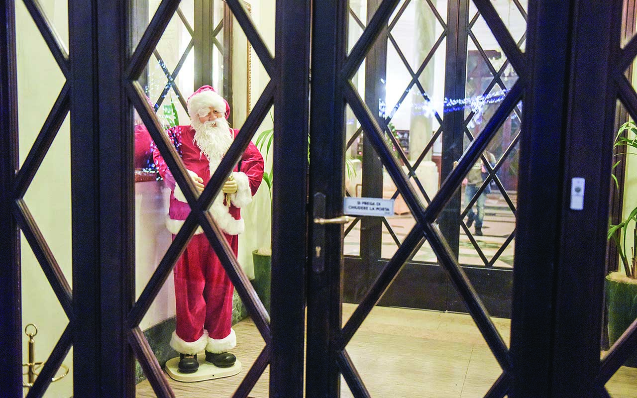 Babbo Natale ingresso all'Hotel Terme