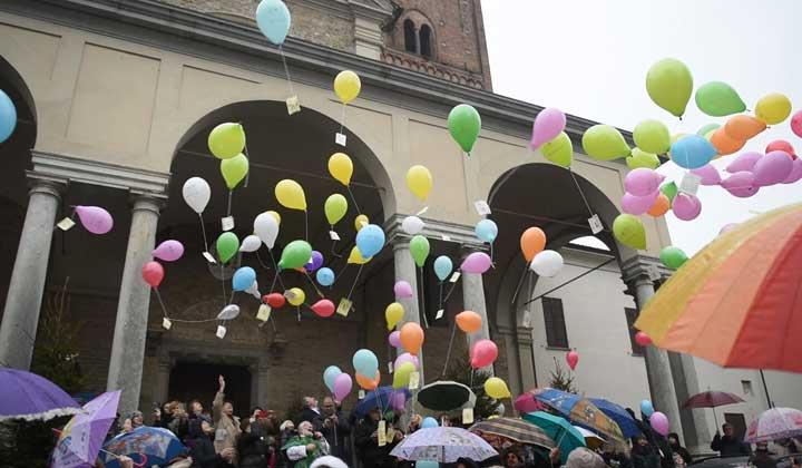 festa della vita, lancio palloncini