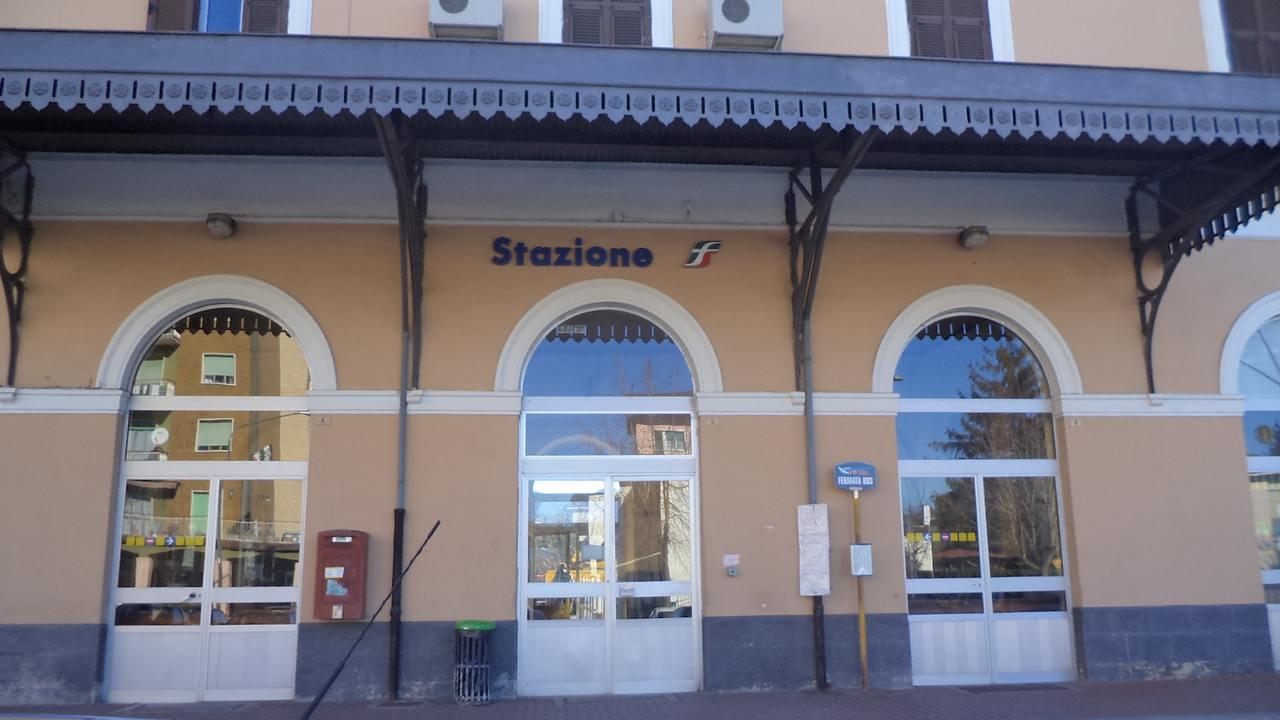 Stazione ferroviaria di Ovada