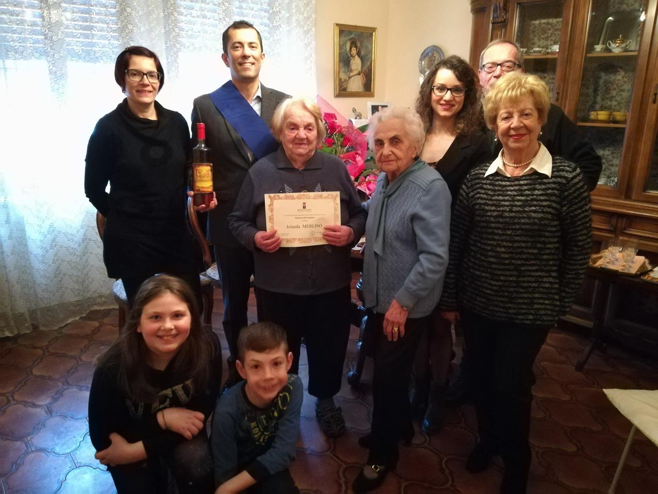 Canelli, Iolanda Merlino ha festeggiato i 100 anni