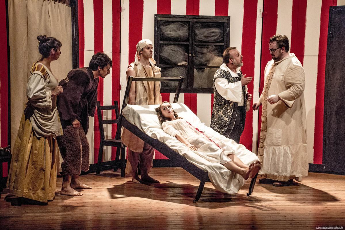 """""""Il medico per forza"""" di Molière in teatro a Costigliole d'Asti"""