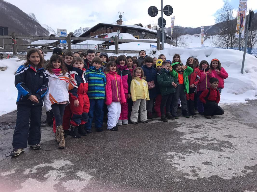 Alunni organizzano giornata sulla neve a Limone