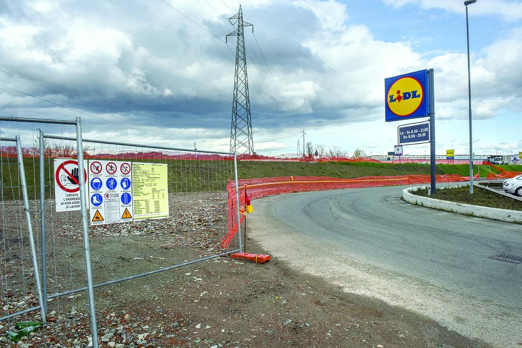 Photo of Intersezione stradale per il Lidl di Acqui Terme