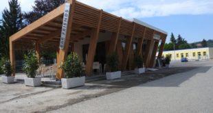 bar davanti alla scuola media Monteverde