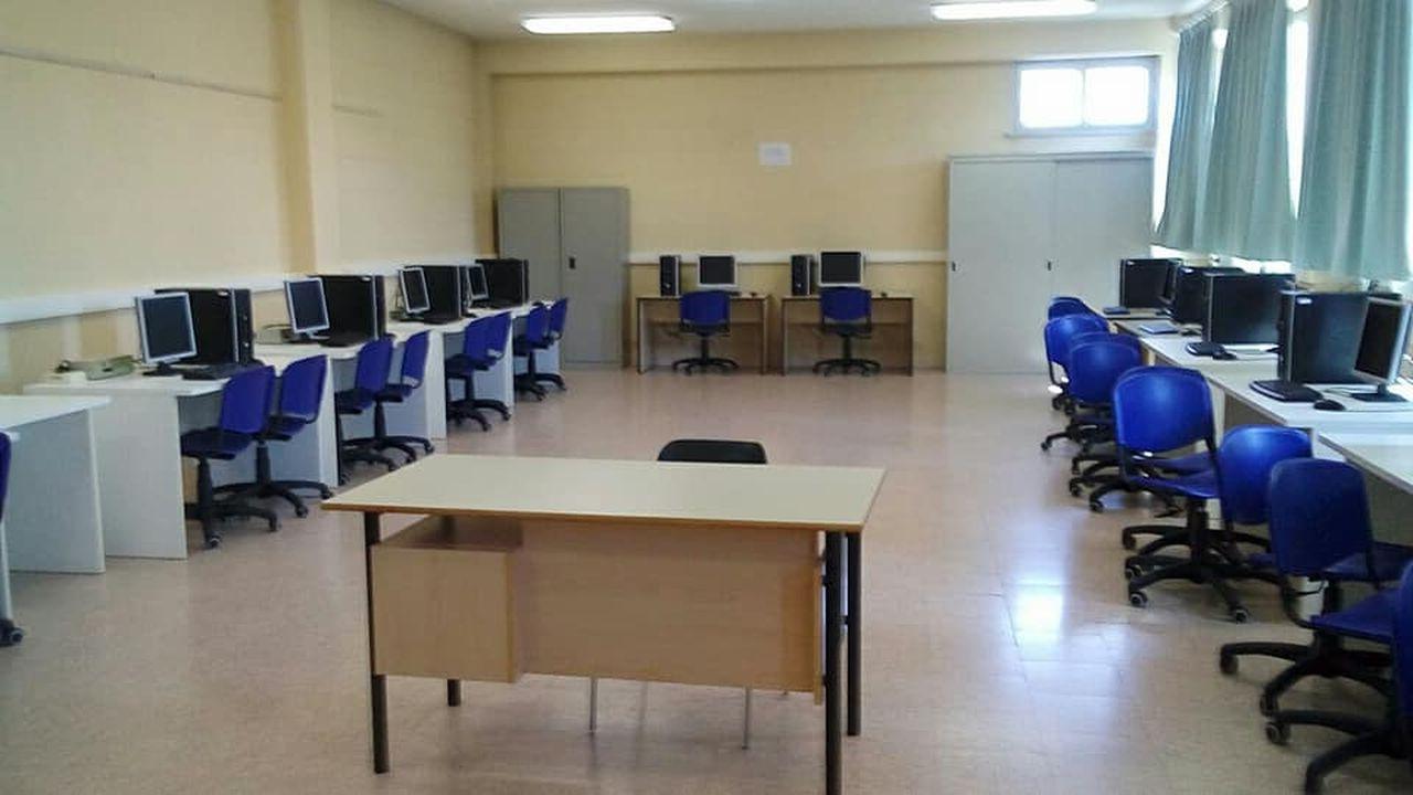 aula informatica Itis Barletti di Ovada
