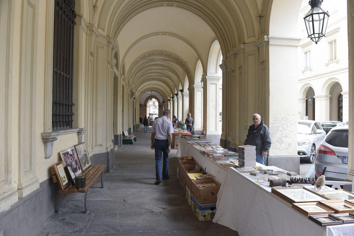 """""""Librando"""", mercatino libri usati"""