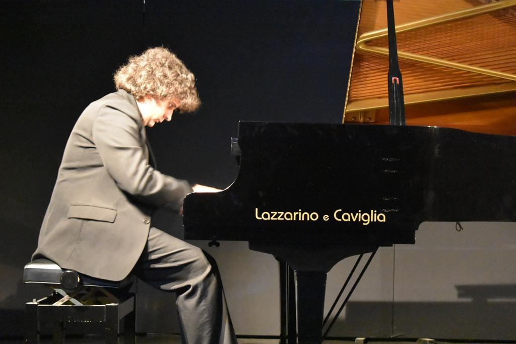 Concerto del pianista Diego Sabre