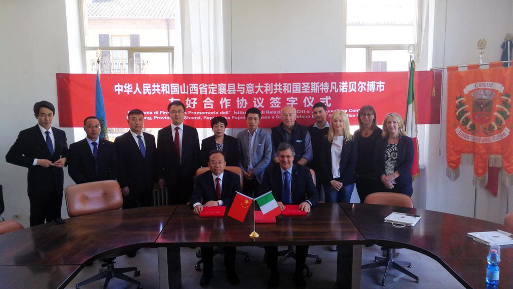 Delegazione cinese a Santo Stefano Belbo