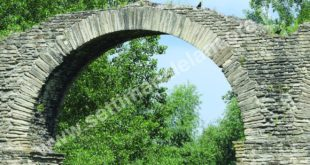 Archi romani di Acqui non molto ben messi