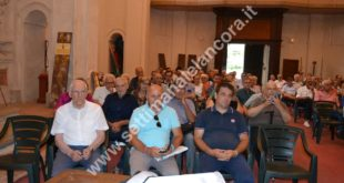 Cortemilia festa dell'Unità-il pubblico presente ad un dibattito