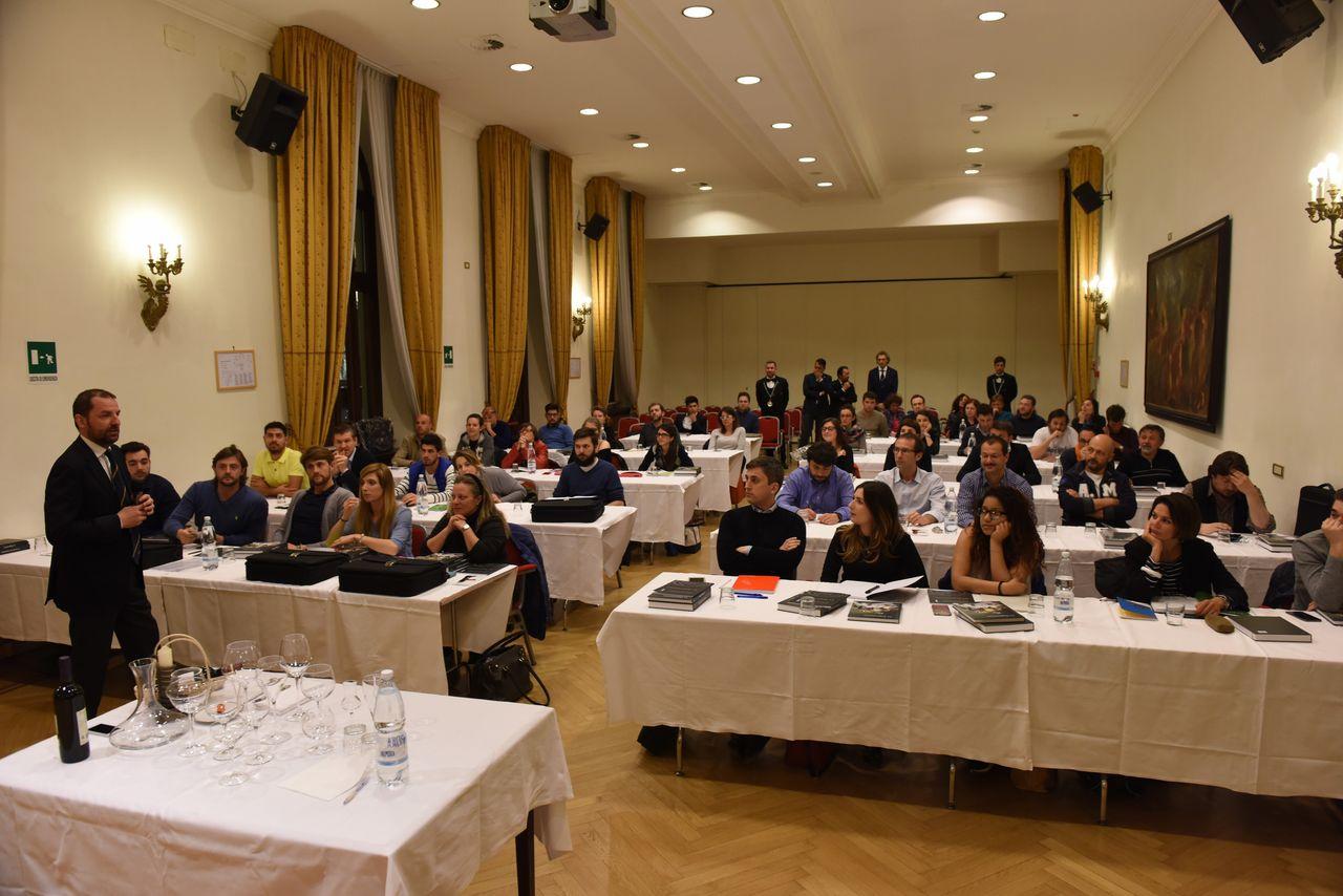 L'associazione Italiana Sommelier compie 53 anni