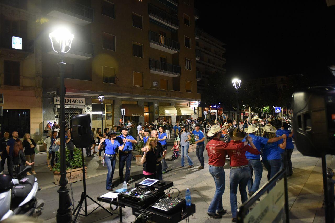 """Festa di strada"" in zona Bagni"