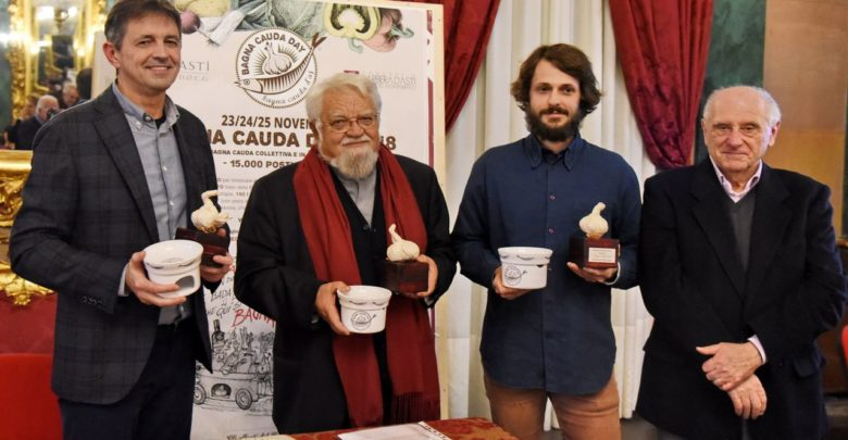 Il premio Testa d'Aj (Testa d'aglio) ad Enzo Bianchi