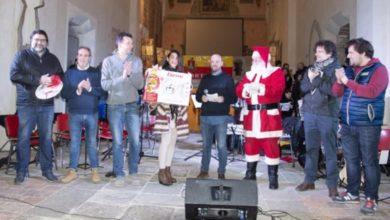 """Cortemilia, Keti Shtini, ha vinto il concorso """"Il più buono e bel dolce di Natale alla nocciola"""""""