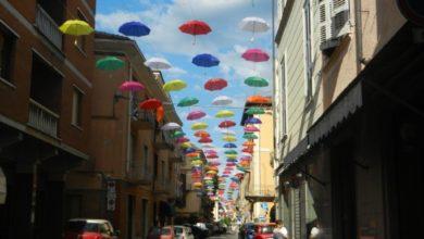 Sabato 2 febbraio al Foro boario, Gli ombrelli nicesi all'asta: il ricavato a scopo benefico