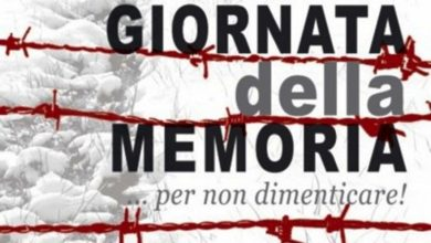 """Photo of Svastica su un manifesto della """"Giornata della memoria"""", un fatto increscioso"""