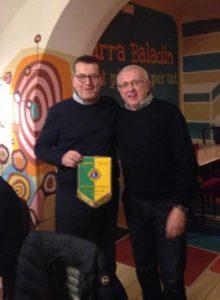 Piero Bagnasco con il gran maestro della Confraternita della Nocciola Tonda Gentile di Langa Ginetto Pellerino