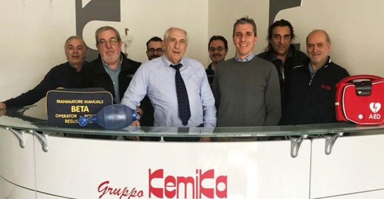 Un defibrillatore alla Kemika, soddisfatti lavoratori e dirigenza
