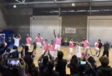 Futsal Fucsia esulta dopo aver vinto la finale regionale