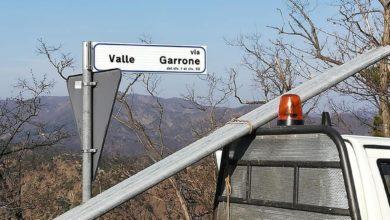 Rossiglione: posa segnaletica in frazione Garrone