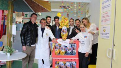 La Cairese in pediatria per donare uova di Pasqua ai bambini