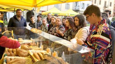 Alunni del C.F.P. Alberghiero a lezione al mercato di Campagna Amica