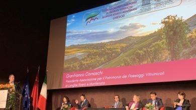 Gianfranco Comaschi, presidente dell'Associazione per Patrimonio dei Paesaggi Vitivinicoli di Langhe-Roero e Monferrato, durante il suo intervento alla Conferenza di Milano