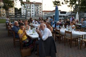 """""""Ti regalo una ricetta"""": i presenti alla cena di Armenia Daghestan e Ucraina dello scorso anno"""