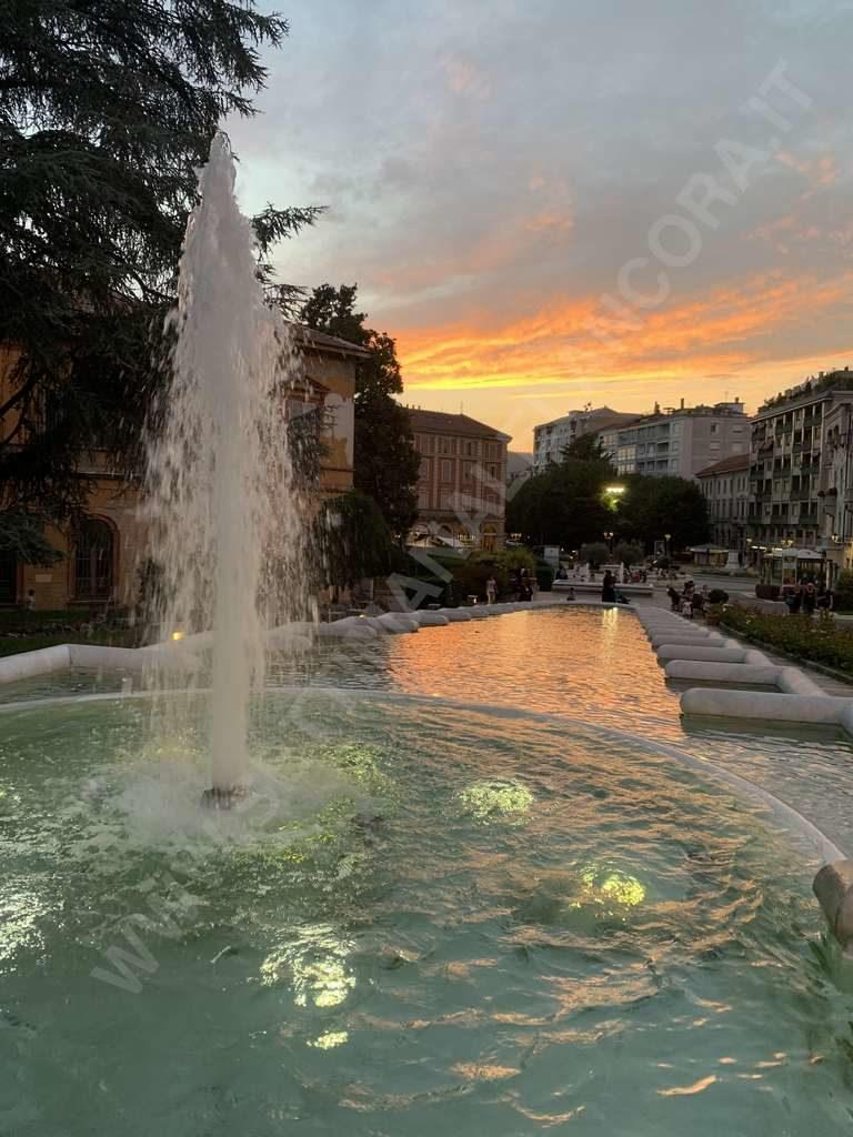 Il tramonto sulla fontana delle ninfee