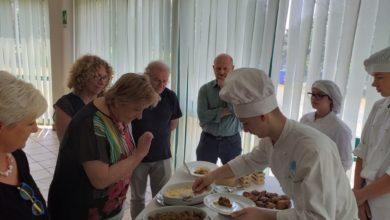 Photo of L'esame finale del quarto anno di cucina per 20 ragazzi dell'Alberghiera