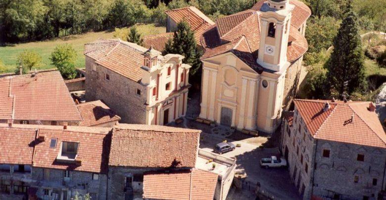 """Mombaldone, """"Notte Romantica"""" viaggio tra musica e sentimento nel borgo medievale"""
