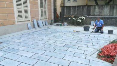 Rossiglione - si completa pavimentazione giardinetto scuola di musica