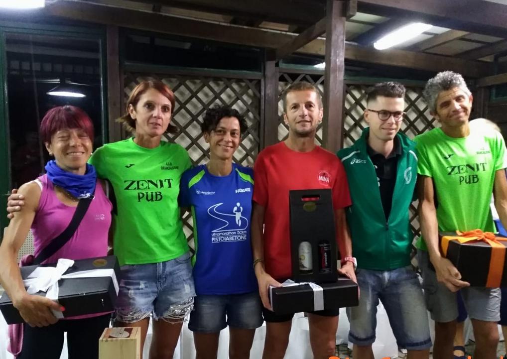 Podismo: Il podio, femminile e maschile, della gara di Cassinasco