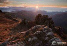 Photo of L'alba tra le montagne del Beigua nel trekking fotografico invernale