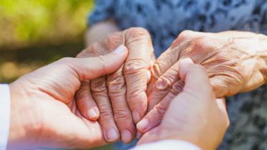 """Photo of """"Usciamo insieme dalla solitudine degli anziani… e dalla nostra"""""""